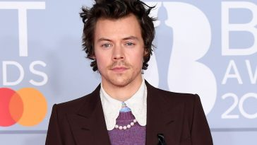 Harry Styles helps raise money for COVID-19